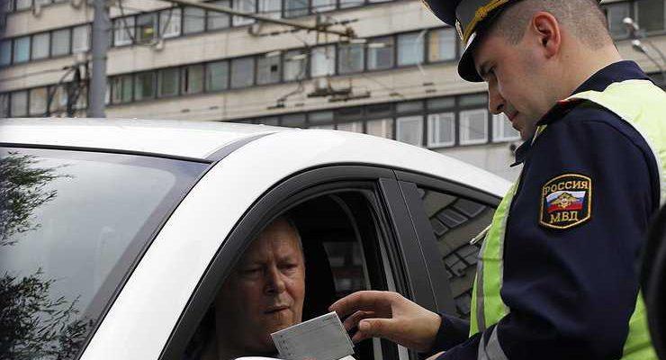 Лишат ли водителя прав за просроченные штрафы