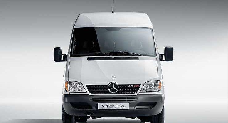 Mercedes-Benz отзывает машины, у которых может заклинить мотор
